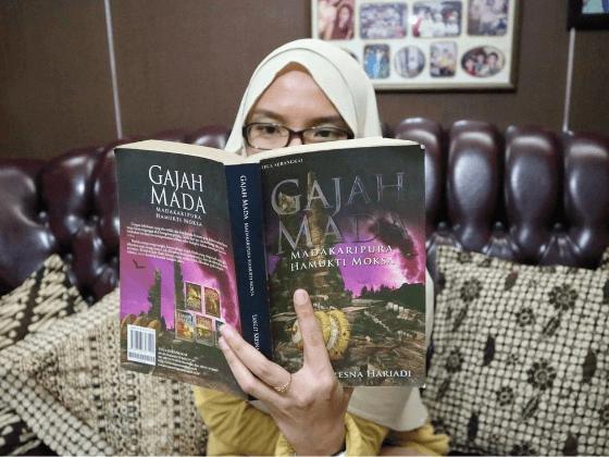 belajar sejarah dari buku